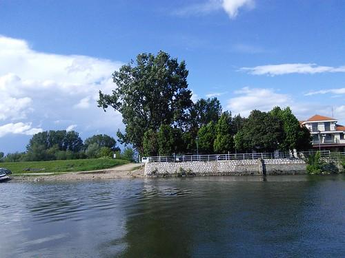 Stara Palanka, terras bij veerhuis.