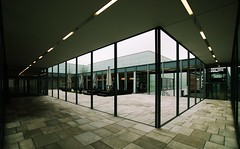Museum Folkwang (pix-4-2-day THANX for 1 m views) Tags: museumfolkwang folkwang essen museum eingang entrance foyer angle winkel lamps leuchten architecture architektur