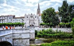 Puente y puerta de Santa María, Burgos. (eustoquio.molina) Tags: burgos puente arco puerta santa maría catedral bridge