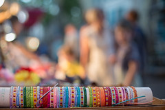 Rayas de noche (Nathalie Le Bris) Tags: céret lvm mercado market bluehour horaazul bokeh blur