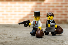 Bonnie and Clyde (Yoann!) Tags: bonnie clyde lego legography afol minifigs minifigurine minifigure minifigures minifigurines minifig mini mfs thug bandit toys fun