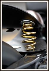 Sur ressort (marc.lacampagne) Tags: macro detail moto close up canon tamron closeup dof eos
