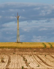 Power Line Mast and Contrasting Fields (Gilli8888) Tags: chevington northumberland powerlines countryside earth fields linear sky pole