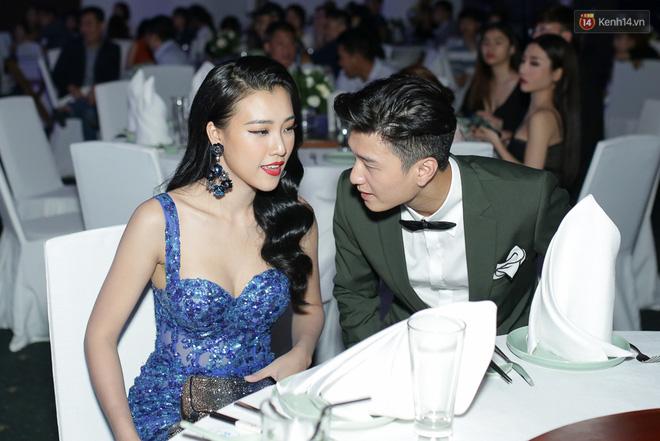 Hậu chia tay, Huỳnh Anh và Hoàng Oanh xuất hiện thân mật, hội ngộ dàn sao khủng trên thảm xanh! - Ảnh 7.
