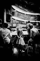 Attentif les enfants au Arras Jazz Festival 2017 (Napafloma-Photographe) Tags: 2017 arras architecturebatimentsmonuments arrasjazzfestival artetculture artois bandw bw bâtiments géographie hautsdefrance kodak kodaktrix400 métiersetpersonnages pasdecalais personnes portraitposeanonymes techniquephoto architecte blackandwhite enfant monochrome napaflomaphotographe noiretblanc noiretblancfrance pellicules photographe photographie province théâtre théâtredarras france fr