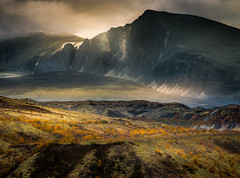 Rondane National Park (andreassofus) Tags: mountainscape mountains mountain light autumn fall color landscape grandlandscape nature norway rondane rondanenationalpark september travel travelphotography outdoor hike hiking canon manfrotto