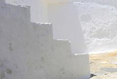 less is more (maria xenou) Tags: simplicity white greece griechenland mediterranean mittelmeer sunlight sunshine mauer light shadows moments momente wenig maria xenou canoneos1100d fotodromos photodromos wall hell minimalism minimal stairs stairsup stairsdown treppennachoben treppennachunten einfachheit σκαλεσ στιγμεσ φωσ σκιεσ μινιμαλ ελλαδα ελλασ μινιμαλισμόσ τοιχοσ σκαλοπατιαπανωηκατω