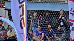 Assistindo a uma corrida de drones (André Felipe Carvalho) Tags: drone race corrida plateia audience