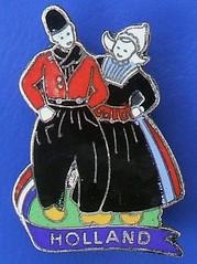 Holland - tourism/souvenir badge (1950's - 1970's) (RETRO STU) Tags: dutchman dutchwoman dutch holland thenetherlands tourism tourists tulipfields windmills amsterdam souvenirbadges enamelbadge