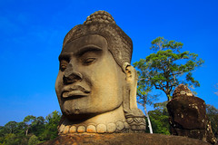 A DI DA PHAT QUAN THE AM BO TAT DAI THE CHI BO TAT GUANYIN KWANYIN BUDDHA 9549 (ketnoivietnam) Tags: amazing affectionate amitabha architecture art asia avalokitesvara awesome bangkok beautifull beijing palace bhutan bodhisattva bouddha buddha tooth relic temple buddhism buddhist china chinatown chua excellent fantastic flickraward gold golden guanyin hainan hdr history hong kong 观音 佛 仏 부처님