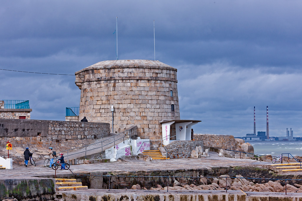 THE MARTELLO TOWER AT SEAPOINT [PHOTOGRAPHED IN MARCH 2008]-129508