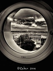 Sur le départ...#noiretblanc #blackandwhite #nuages #pistes #avions #aéroport #ciel #city #ombre #lumière (lucrabco) Tags: noiretblanc blackandwhite nuages pistes avions aéroport ciel city ombre lumière