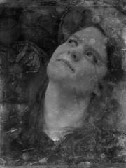 Glück (One-Basic-Of-Art) Tags: annewoyand anne woyand tfp timeforprint black white mono monochome monochrom schwarz weiss weis einfarbig noir blanc vintage old retro portrait portät nocolor nocolour nostalgie nostalgia fotografie female feminine photography people human girl grau grey gris gray face gesicht mensch dark dunkel ästhetik canon outdoor glücklich glück zufrieden zufriedenheit smile lächeln luck lucky lovly lieblich