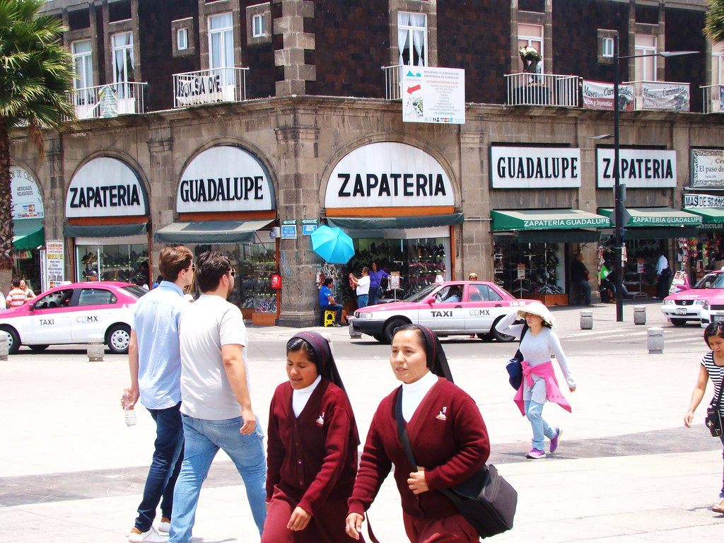 Guadalupe Shoe Store