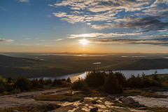 Acadia National Park - Cadillac Mountain Sunset 06 (raelala) Tags: justmainethings2017 acadianationalpark barharbor cadillacmountain canon1755mm canon7d canoneos7d findyourpark goexplore goldenhour maine memorialdayweekend memorialdayweekend2017 mountdesertisland mtdesertisland nationalpark newengland photographybyrachelgreene roadtrip scenicoverlook sunset thatlalagirl thatlalagirlphotography thatlalagirlcom travel usnationalparks