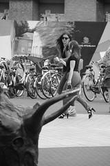 El Toro (Martijn A) Tags: bull stier women vrouwen candid streetphotography straatfotografie shertogenbosch 073 canon550ddslreos sigma18200mm wwwgevoeligeplatennl