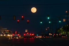 17-2519 (George Hamlin) Tags: virginia chantilly full moon strawberry traffic lights us route 50 road highway autos vehicles signs cars tail dark night photo decor george hamlin photography