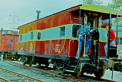 Erie Lackawanna Caboose No. C356, Whippany RR Museum (gg1electrice60) Tags: erielackawana erielackawannacaboose elcaboosenumberc356 erielackawannacaboosenoc356 erielackawannac356 elogo lackawanna railfans people caboose cabeese morristownerierailroad morristownerierailway me merightofway rightofway row railcar railyard railroad railroadstation railroadmuseum railroaddepot railroadyard railroadtracks whippanyrailroadmuseum whippany whippanyroad whippanyrd route10 stateroad10 sr10 hanovertownship morriscounty newjersey nj unitedstates usa us