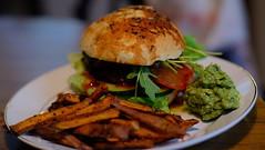 SWEET POTATO DREAM (Ludwig Ohlson) Tags: vegan eatclean veganfood masterchef xe2 burger burgerdream eatyaveggies foodart