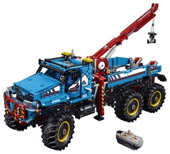 LEGO Technic 42070 - 6x6 All Terrain Tow Truck (THE BRICK TIME Team) Tags: lego brick technic 2017 summer 42070 all terrain tow truck flagship set remote control