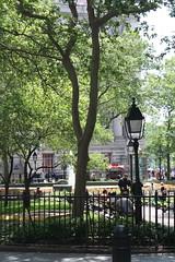Bowling Green, New York (ktmqi) Tags: bowlinggreen newyorkcity wallstreet broadway downtown urban park fence citylife