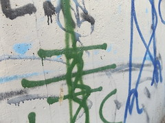 Strommast (gittermasttyp2008) Tags: strommast strommasten powertower powerpole pylon power powerpylon powerline pole energie electricitytower energy wandern autobahn graffiti graffitistrommast pardune germany collor farbe entdeckt