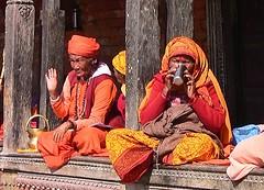 """NEPAL, Pashupatinath, Zu den Hindutempeln und Verbrennungsstätten,  Eine fremde Welt, serie ,  16324/8624 (roba66) Tags: reisen travel explore voyages roba66 visit urlaub nepal asien asia südasien kathmandu pashupatinath """"pashu pati nath"""" """"pashupati """"herr alles lebendigen"""" tempelstätte hinduismus shivaiten tempel verehrungsstätte shiva tradition religion menschen people leute frau woman portrait lady portraiture"""