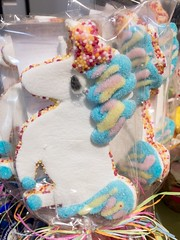 Candy Unicorn (wuestenigel) Tags: decoration dekoration celebration feier handmade handgefertigt party festival fun spas toy spielzeug color farbe carnival karneval ball bright hell design entwurf thread faden traditional traditionell motley bunt roundout runden christmas weihnachten child kind winter candy süsigkeiten