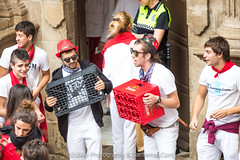 """Javier_M-Sanfermin2017140717001 • <a style=""""font-size:0.8em;"""" href=""""http://www.flickr.com/photos/39020941@N05/35742915002/"""" target=""""_blank"""">View on Flickr</a>"""
