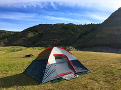 campsite (ekelly80) Tags: montana makoshikastatepark june2017 summer roadtrip keisgoesusa badlands glendive geology scenery camping campsite tent home light hills rocks mountains