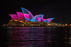 Sydney Opera House, Vivid 2017 (mclcbooks) Tags: sydneyoperahouse sydney harbor water bay ocean lights art vividsydney 2017 ashbolland audiocreatures australia nsw night