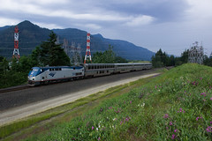Amtrak's Empire Builder In North Bonneville (PNW Rails Photography) Tags: northbonneville washington unitedstates amtrak empire builder empirebuilder portland section portlandsection train 28 train28 amtk 134