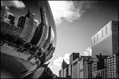 CITY REFLEXION  IN  THE  CLOUD GATE  -  CHICAGO (J.P.B) Tags: elmarit 21 mm sculpture hanish kapoor millennium park chicago blackwhitepassionaward cloud gate bammatter