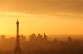 Paris France : Coucher de soleil sur la capitale, sunset on the capital, Sonnenuntergang auf der Hauptstadt. On explore.