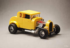 Milner's '32 Ford Coupe _02 (_Tiler) Tags: lego car vehicle ford coupe deuce americangraffiti milner johnmilner georgelucas 32forddeuce yellowdeuce 32fordcoupe 1932fordcoupe hotrod