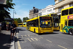 029-01 (Ian R. Simpson) Tags: yx65rgy alexanderdennis enviro200 yellowbuses ratp ratpgroup bus 29