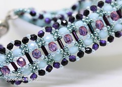 Simone Bracelet (BeeJang - Piratchada) Tags: beadweaving beadwork beading beaded beads tutorials patterns bracelet jewelry handmade czechfirepolished black purple