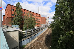 Kraftwerk Berlin-Moabit von der Föhrer Brücke aus (Pascal Volk) Tags: berlin mitte moabit berlinmitte westhafen wideangle weitwinkel granangular superwideangle superweitwinkel ultrawideangle ultraweitwinkel ww wa sww swa uww uwa architecture architektur arquitectura canoneos6d canonef1635mmf4lisusm 16mm