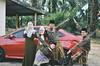 Eid al-Fitr 2017   Family Photo (Mr.rie) Tags: vsco a7 nikon dslr 35mm f18 family photo sibs sibling outdoor selfportrait green raya eidaalfitr aidilfitri matriye cheariee chearie mrrie rayacheariee