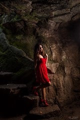 En la cueva (Dani_vr) Tags: rojo red dress vestido cueva cave spain betanzos galicia coruña
