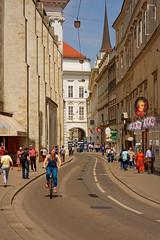 Vienna / Augustinerstraße (Pantchoa) Tags: vienne autriche augustinerstrase cycliste vélo rue d7200 nikon 18140 mozart streetshot