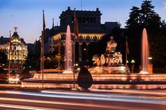 Madrid ❤️ (albahernanzwalls) Tags: canon1300d luces coches metropolis cibeles atardecer photography photographer photo canon madrid