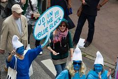 Solidarity without borders instead G20 –Demonstration Hamburg 2017 (Rasande Tyskar) Tags: summit hamburg germany 2017 solidarity united protest demo demonstration hughe fantastic solidarität grenzenlos 08072017 20170708 together vereint protestform manifestation manifest solidarite g20 withoutborders blue block smurfs
