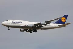D-ABVT | Boeing 747-430 | Lufthansa (cv880m) Tags: denver colorado airplane aviation airliner airline aircraft den kden jetliner dabvt boeing 747 744 747400 747430 lufthansa germany jumbo