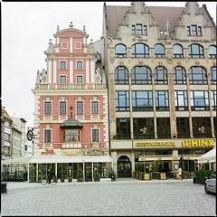 Wrocław XLVI (__Daniele__) Tags: wrocław breslau polska polen pologne polonia poland silesia slask analogue analog film kodak portra 400 c41 6x6 120 hasselblad 500cm 80mm planar rynek