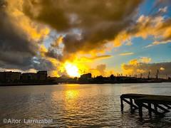 Ilunabarra (larrait66) Tags: sunset corriente water agua sun sol puesta ibaizabal nervion erandio paisaje clouds nubes sky cielo river ria rio