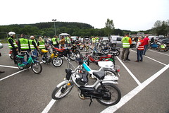IMG_9334 (Christophe BAY) Tags: mobyltettes francorchamps 2017 rétromobile club spa circuit moto vespa camino flandria
