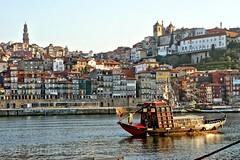 Rio Douro (vmribeiro.net) Tags: geo:lat=4113813236 geo:lon=861171752 geotagged porto oporto ribeira rio river douro portugal sony a350 vila nova gaia