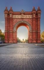 Arc de Triomf (Mistah_Grape) Tags: nikon spain city triumph arc architecture arch barcelona street morning sunrise sun spring catalonia