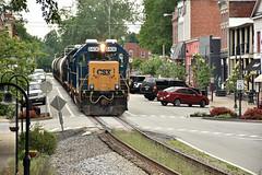 Gp's on main street in La Grange. (Machme92) Tags: csx csxt railroad railfanning railroads railfans rails rail row railroading railfan trains tracks american america kentucky freight emd gp geeps